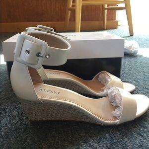 Alfani White Leather Strap Sandals Sz 7 with heels